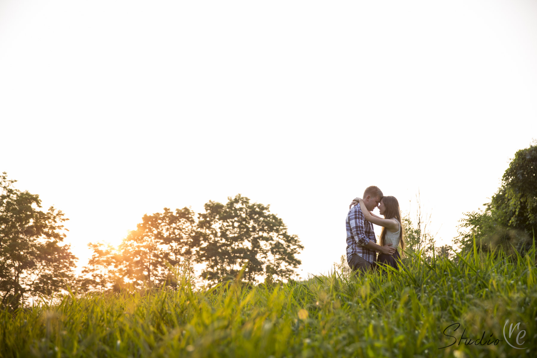 b&g_engagement_photography_waukesha_lapham_peak_09