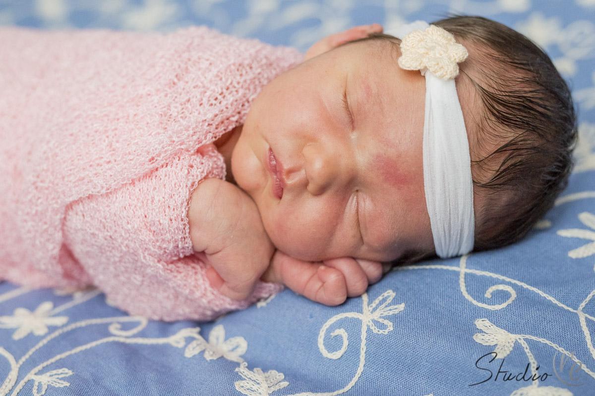 newborn-baby-photography-new-berlin-wi-studio-re-001
