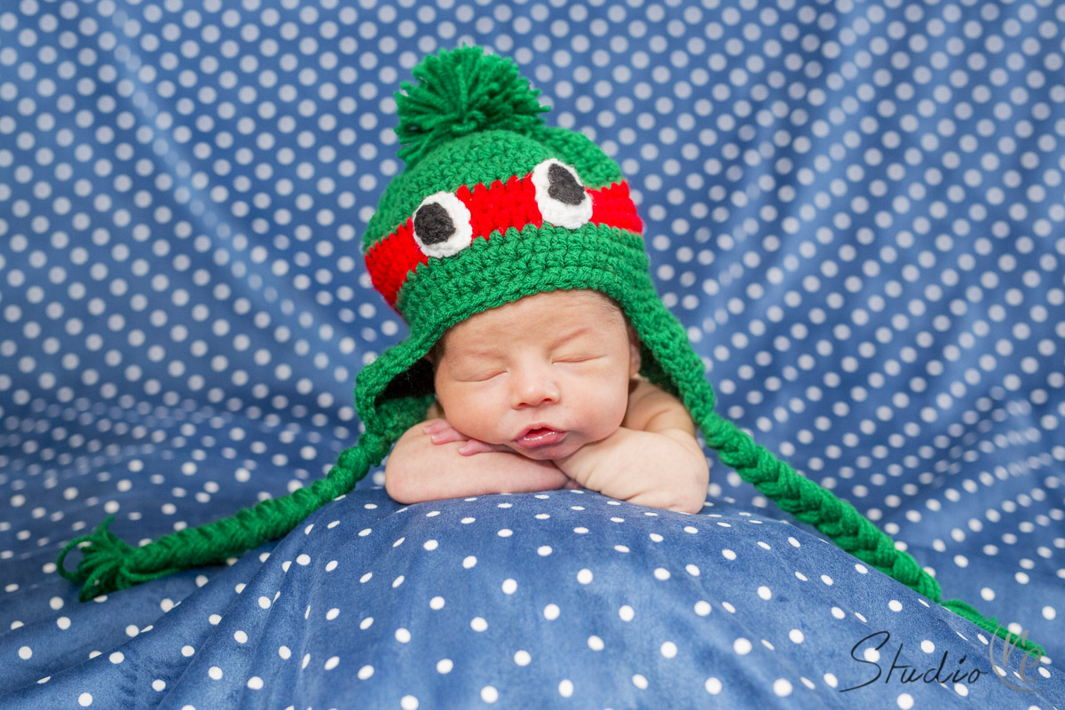 Lifestyle Newborn Photo Shoot Waukesha WI-011