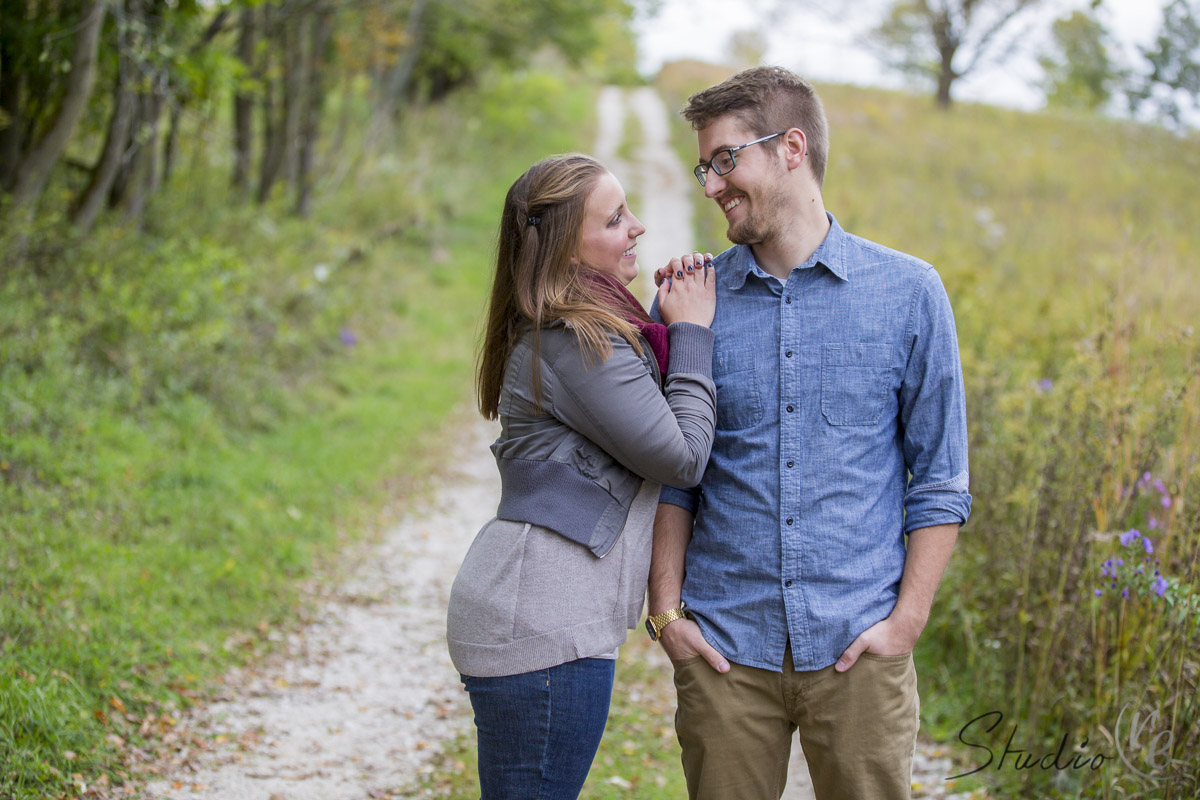 Beautiful-Outdoor-Fall-Engagement-Session-Retzer-Nature-Center-Waukesha-WI-017